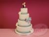 Bruidstaart-met-grote-zilveren-striek